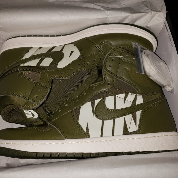 online retailer 0bf85 f8e41 Jordan 1 Olive Green Mens Size 10 NWT